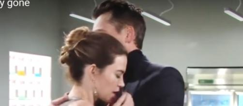 Victoria collapsed in Billy's arms. (Image via Phyllis B/Youtube)