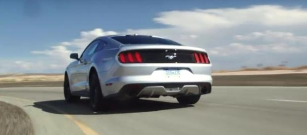 4 sports cars under $30,000. [Image Credit:Motor Trend Channel/YouTube screencap]