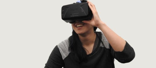 Experience stunning visuals with Daydream VR headset. (Image via: HammerandTusk/pixabay)