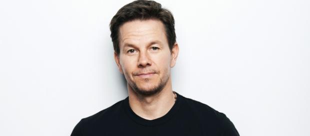 L'attore statunitense Mark Wahlberg, il più pagato del 2017 - Foto: Fashion Times.