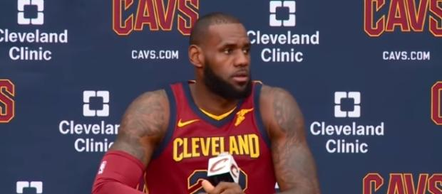 LeBron James is being linked to the Los Angeles Lakers [Image via Ximo Pierto/Youtube]