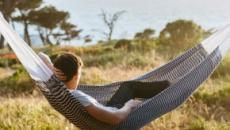 ¿En que nos beneficia hacer una siesta de 30 minutos al día?