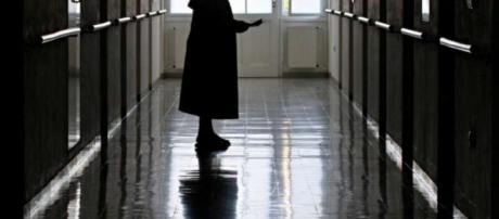 Una suora è stata vista in abiti succinti da alcuni cittadini a Calderara di Reno