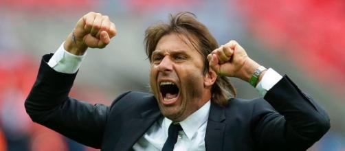 Esultanza di Antonio Conte dopo un goal della sua squadra