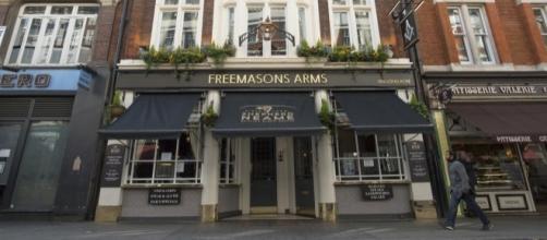 Freemasons Arms es la taberna donde el fútbol comenzó a rodar