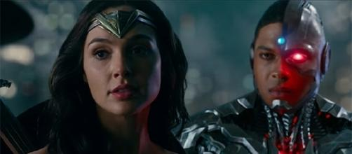 "Gal Gadot shared that Wonder Woman is the ""glue"" that ties the Justice League together. (Image Credit: Warner Bros. Pictures/YouTube Screencap)"