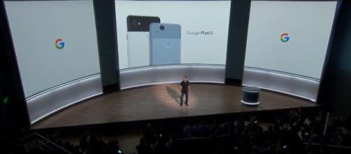 La presentazione ufficiale di Google Pixel 2 e Pixel 2 XL