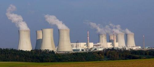 Nuclear power plant. (Photo via: [Wikimedia Commons]).