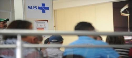 Pai filma descaso em hospital infantil