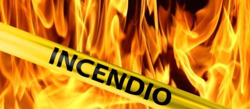 Taormina - Nel tentativo di bruciare della sterpaglia provoca un ... - canalesicilia.it