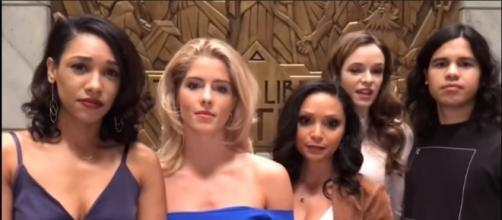 """The girls go on a night out for Iris' bachelorette party in """"The Flash"""" season 4 episode 5. [Image Credit:TheDCTVShow/YouTube]"""