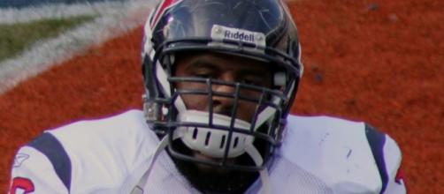 Will the Houston Texans keep Duane Brown for the rest of the season? / Photo via Jeffrey Beall, Wikimedia Commons