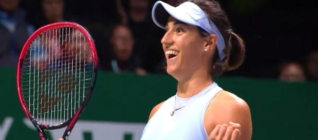 Caroline Garcia celebrating her win over Wozniacki in Singapore/ Photo: screenshot via WTA official channel on YouTube
