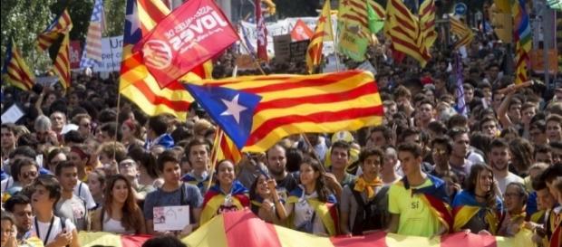 Catalonia fierbe în fața separatiștilor dezlănțuiți (Barcelona, octombrie 2017)