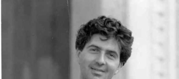 Il commediografo Annibale Ruccello morto nel 1986