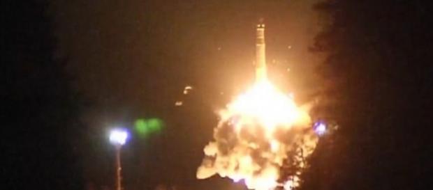 """""""Satan Doi"""", racheta vedetă a lui Putin, poate șterge România de pe hartă - Foto: Daily Mail - © Ministerul Rus al Apărării/YouTube"""