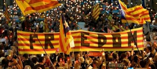 Spagna, Rajoy ricorre ad articolo 155: destituzione Parlamento- fanpage.it