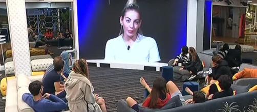 Veronica Angeloni ha lasciato un video messaggio agli ex compagni del GF VIP