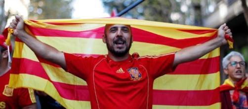 El transcurso de la manifestación convocada por Sociedad Civil Catalana
