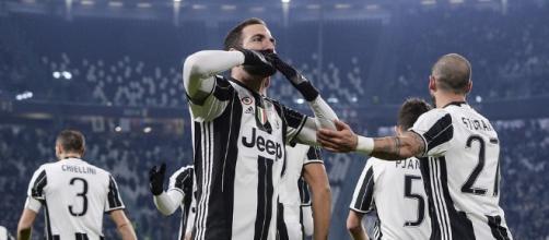 Juventus Higuain gufi - tuttosport.com
