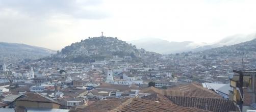 La Virgen del Panecillo presidiendo la ciudad de Quito