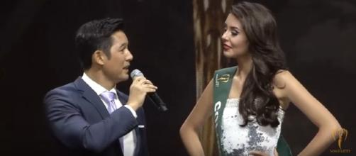 Miss Earth 2016 question-and-answer round [Image Credit: Miss Earth/YouTube]
