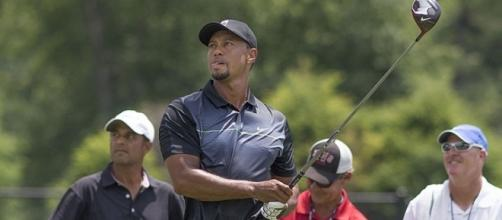Tiger Woods practicing on June 24, 2014 in Maryland (Image credit – Keith Allison – Wikimedia Commons)