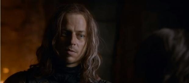 'Game of Thrones' star Tom Wlaschiha reacts to crazy Jaqen H'ghar theory. [Image Credit: HBO/YouTube screencap]