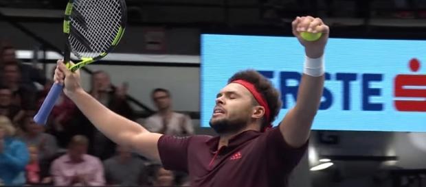 Jo-Wilfried Tsonga celebrating a win in Vienna/ Photo: screenshot via ATPWorldTour channel on YouTube