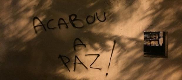 Muro do Parque São Jorge pichado por torcedores após derrota/ Imagem Marcelo Braga