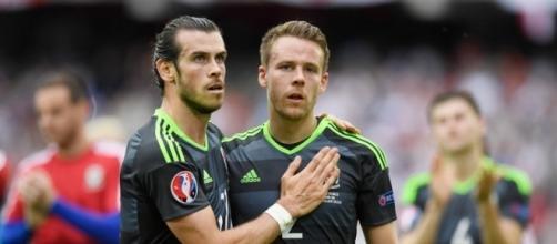 Gunter bat Bale et élu meilleur joueur gallois de l'année.