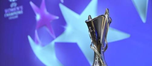Il trofeo per la vincitrice della UEFA Women's Champions League - Foto oasport.it