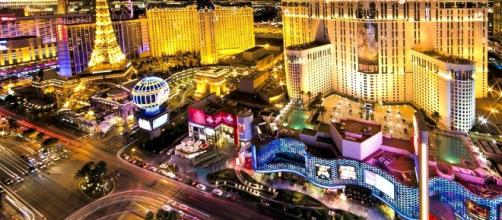 Las Vegas strip [Image via ngd3 / Pixabay].