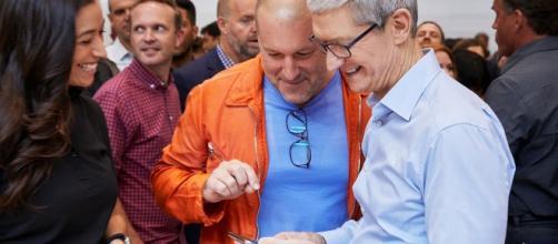 Tim Cook al keynote di presentazione di iPhone 8, iPhone 8 Plus e iPhone X allo Steve Jobs Theatre ad Apple Park