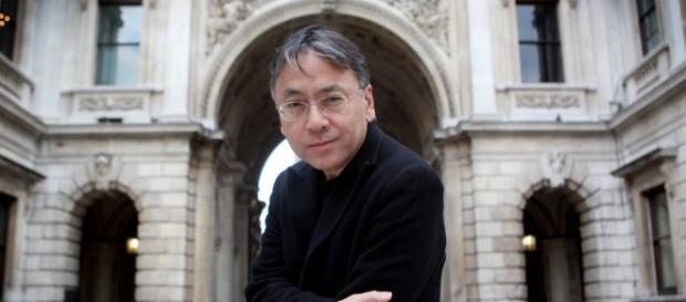 Kazuo Ishiguro ganha Prêmio Nobel de Literatura de 2017