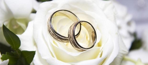 Mujer se casa consigo mismo cumpliendo su boda de ensueños- boda-barcelona.com