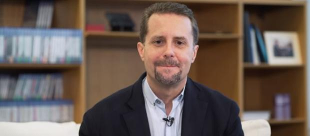 PlayStation's public face Andrew House has stepped down as President and CEO of SIE. [Image via PlayStation/YouTube screencap]