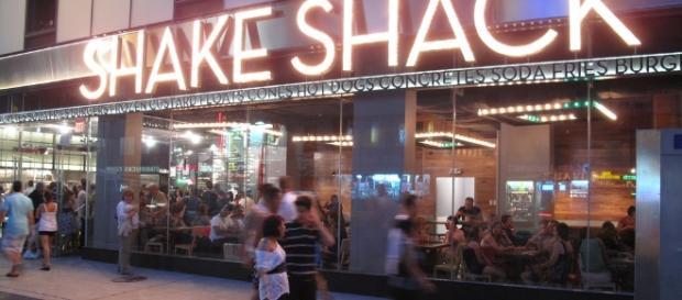 Shake Shack in New York [Image by Shinya / Flickr]
