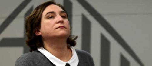 "Ada Colau acusa a Rajoy de ""inundar Cataluña de policías"" - despiertainfo.com"