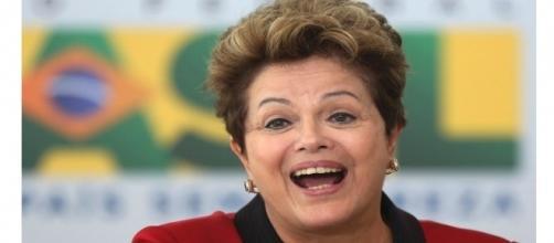 Dilma faz postagem no Twitter e vira piada. (Foto: reprodução internet)