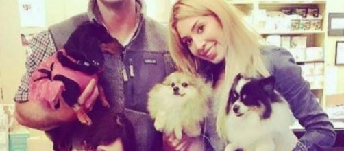 Farrah Abraham poses with a friend and a couple of dogs. [Photo via Instagram]