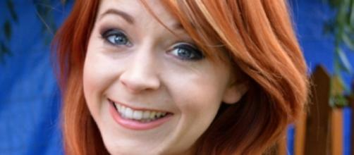 Lindsey Stirling may be out of DWTS due to injury [Image via Wikimedia Commons]