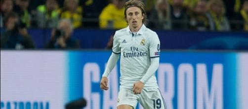 Luka Modric Extends Real Madrid Deal to 2020 - News18 - news18.com