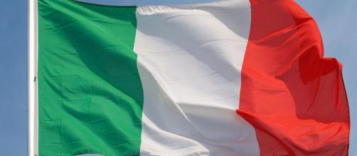 Perché in Cirenaica bruciano le bandiere tricolori? - Sputnik Italia - sputniknews.com
