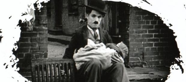 Charles Chaplin e Silas Hatway em O Garoto