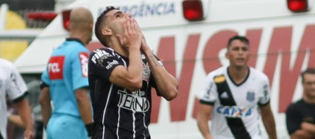 Corinthians tropeça, mais uma vez, no Campeonato Brasileiro