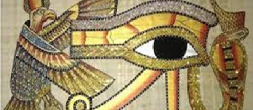 Horóscopo egípcio o seu signo nas mãos do faraó