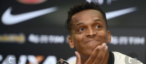 Jô deve ser desfalque no Corinthians para as próximas rodadas