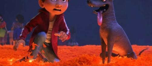 Miguel y Dante en la nueva película de Disney-Pixar, Coco