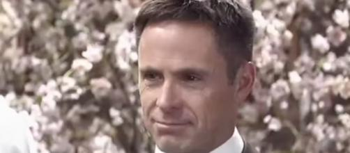 William deVry returns to 'General Hospital' as Julian Jerome - [Image via ABC/YouTube screencap]